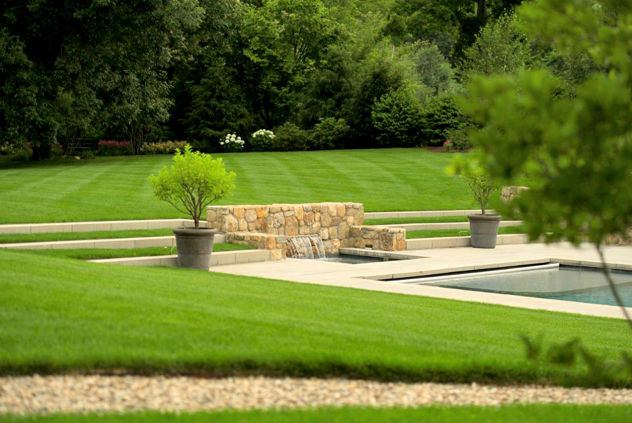 The LaurelRock Company - Residential Landscaping in CT - Green Farms - Pool with Water Feature