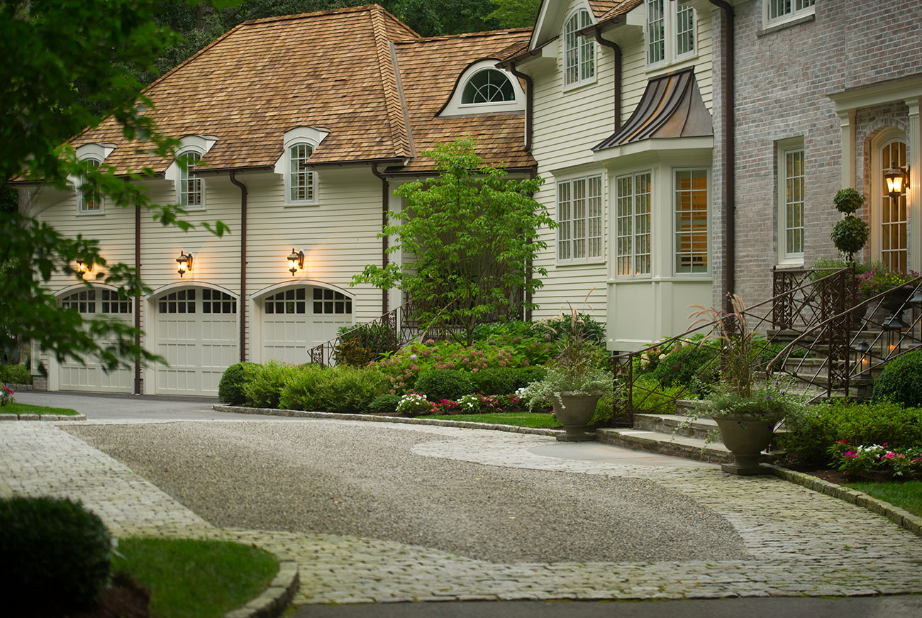 The LaurelRock Company - Residential Landscaping in CT - Back Country Manor - Front Driveway
