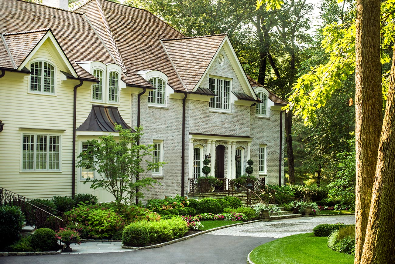 The LaurelRock Company - Residential Landscaping in CT - Back Country Manor - Driveway and Front Garden Entry