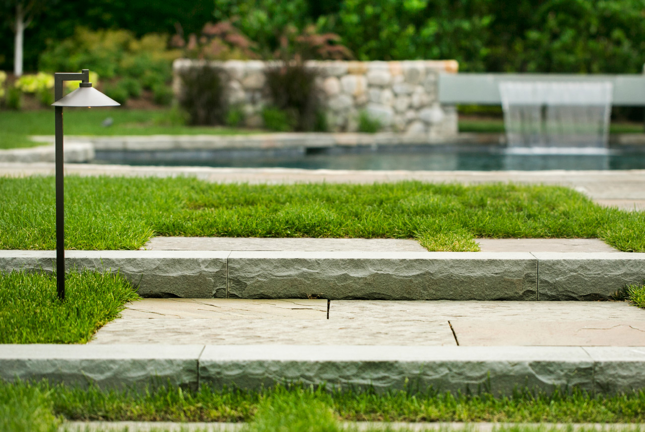 The LaurelRock Company - Residential Landscaping in CT - Hollow Tree Ridge - Poolside Architectural Detail