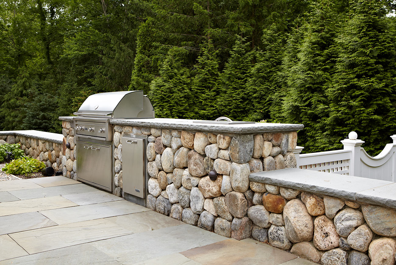 The LaurelRock Company - Residential Landscaping in CT - Hollow Tree Ridge - Outdoor Kitchen